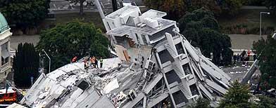 Edificio colapsado en la ciudad de Christchurch, Nueva Zelanza, tras un sismo de 6,3 grados / Foto: AP