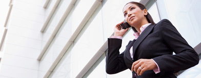 Businesswoman talking on phone. (Thinkstock)
