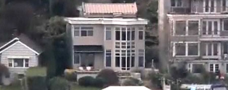 Waterfront Lake Washington house. (KING 5 News)