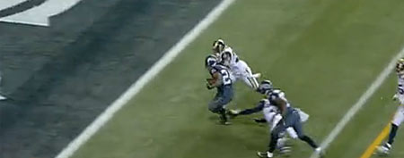 Marshawn Lynch approaches the end zone against the Rams (Y! Sports screengrab)
