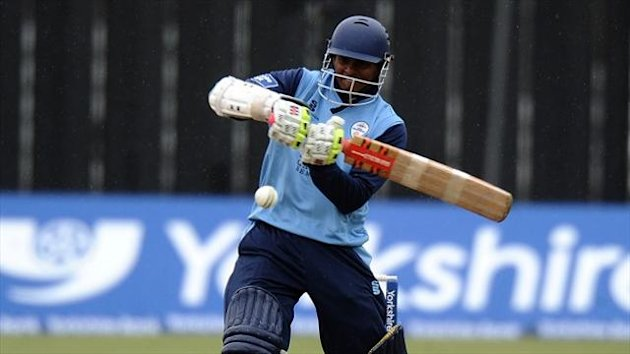 Shivnarine Chanderpaul starred as Derbyshire beat Lancashire by seven wickets