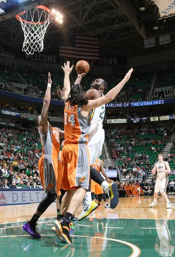 Jefferson, Hayward lift Jazz past Suns 103-88