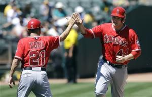 Trumbo homers again in Angels' 5-4 win over A's
