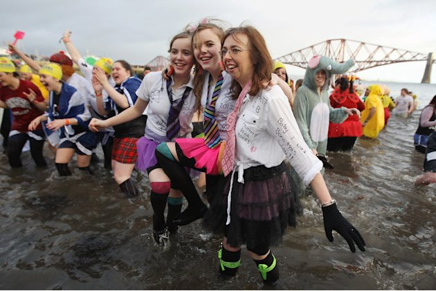 Hardy Swimmers Take A Festive Dip In The Firth of Forth