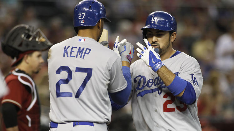 Gonzalez homers for 4th straight game, LA sweeps