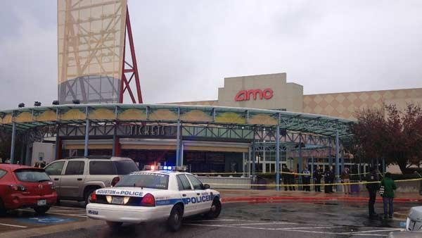 Suspect, security guard shot outside movie theater