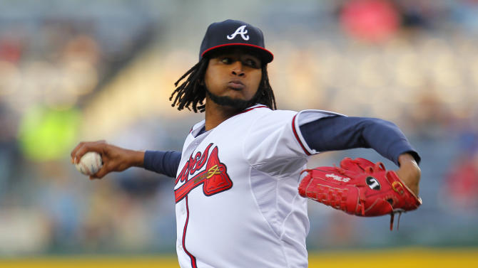 Santana shines in debut, Braves beat Mets, 4-3