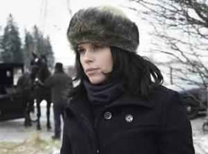 Neve Campbell: Lifetime's Amish Murder Has 'Really Good Potential' to Become a Series