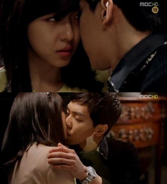 Lee Seung-gi and Ha Jiwon's romantic first kiss