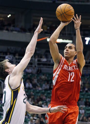 Miles scores 27 to lift Jazz over Rockets 104-83