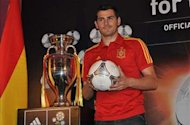 Casillas thanks China coach Camacho for handing him first Spain cap