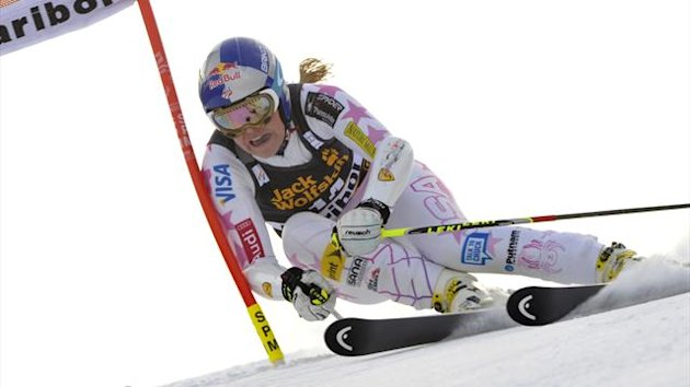 Lindsey Vonn of the U.S. clears a gate during the first run of the World Cup Women's Giant Slalom race in Maribor, January 26, 2013