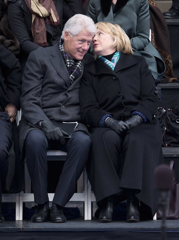 2014-01-01T225401Z 19972680 GM1EA120J1S01 RTRMADP 3 USA-POLITICS    Bill Clinton And Hillary Clinton 2014