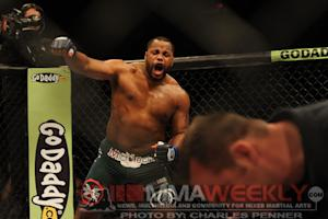 UFC 166 Results: Daniel Cormier Decisions Roy Nelson in Last Fight at Heavyweight