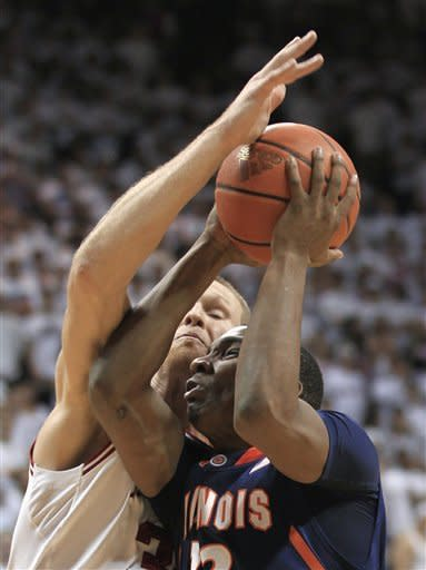 No. 23 Indiana charges past Illinois 84-71