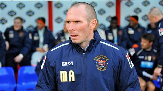 Blackburn are 'in discussion' with Blackpool boss Michael Appleton