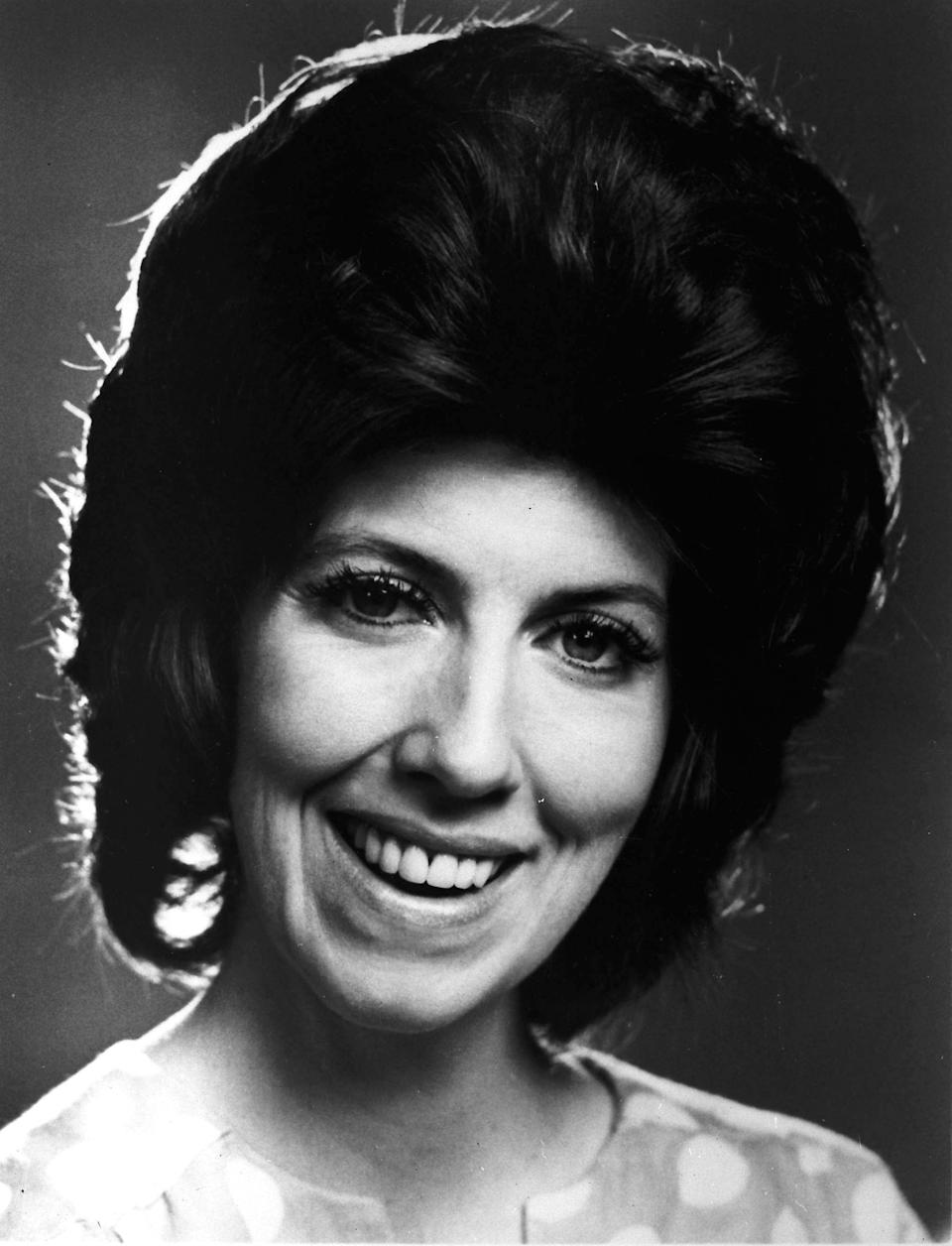 "FILE - This 1972 file photo made available by CBS Television shows Marcia Wallace. Wallace, who played a receptionist on ""The Bob Newhart Show"" and the voice of Edna Krabappel on ""The Simpsons"" died Saturday Oct. 26, 2013. (AP Photo/CBS)"