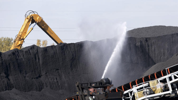 Pollution board denies Quinn's petcoke regulations