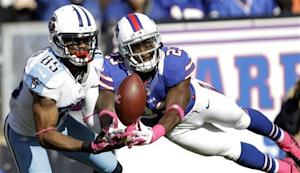 Hasselbeck seals Titans 35-34 win over Bills