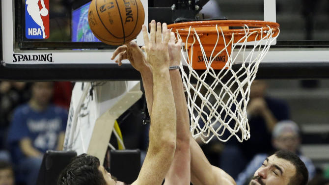 Timberwolves roll Thunder, 100-81