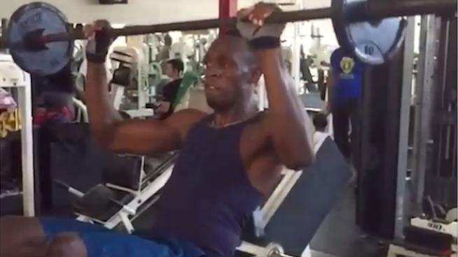 WATCH: Usain Bolt's 2-in-1 Decline Sit-Up with Bench Press