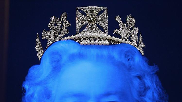 The Queen's Jeweller Aspreys And Artist Chris Levine Unveil A New Diadem Holding Over 1000 Diamonds