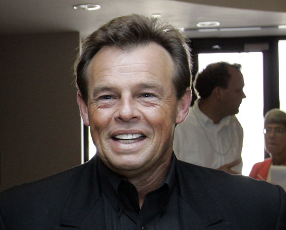 FILE - This Sept. 5, 2007 file photo shows country singer Sammy Kershaw at the Secretary of State&#39;s office in Baton Rouge, La. Kershaw&#39;s tour bus was struck by another vehicle on Friday, Nov. 2, 2012 in Nocona, Texas. The impact caused major damage to the bus, and the car was totaled. The driver of the car was hospitalized with injuries. Kershaw and the nine members of his band and crew were shaken and sore but not seriously hurt. Kershaw scored major hits in the early 90s, including &quot;She Don&#39;t Know She&#39;s Beautiful&quot; and &quot;I Can&#39;t Reach Her Anymore.&quot; He has sold over five million albums. (AP Photo/Alex Brandon, file)