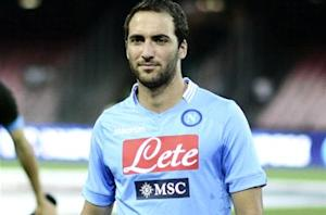 Benitez: Higuain will face Arsenal