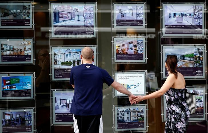 UK mortgage approvals hit 19-month low, more weakness seen