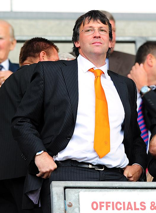 Blackpool chairman Karl Oyston wants to avoid the drawn-out managerial searches Blackburn and Bolton undertook