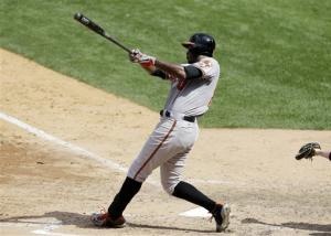 Jones' HR off Rivera lifts Orioles over Yanks 2-1