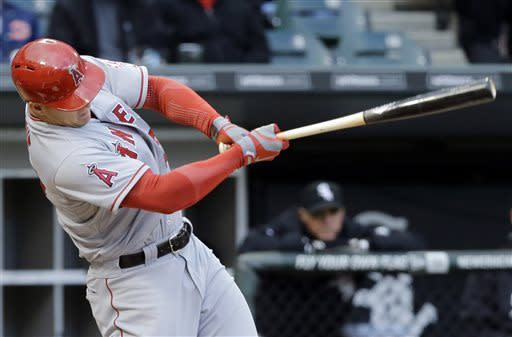 Trout homers as Angels top White Sox 3-2