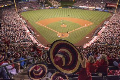 Angels set world record for largest gathering of people in sombreros