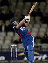 England's Luke Wright hit 99no as England scored 196-5