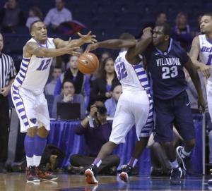 Arcidiacono helps Villanova knock off DePaul 94-71