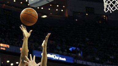 Nuggets use big second-half run to beat Hornets