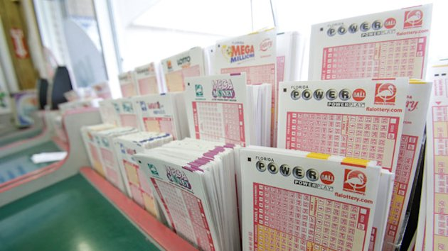 Powerball Record Winner Is 84-Year-Old Woman Gloria Mackenzie (ABC News)