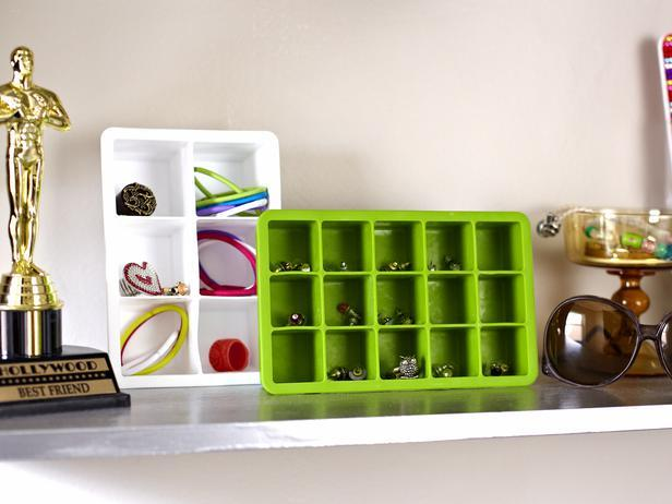 Store Accessories in Cute Ice Cube Trays