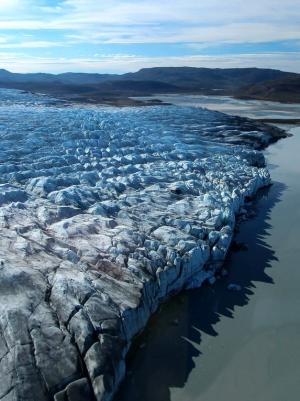 Greenland Ice Sheet Was Smallest When Ocean Was Warm
