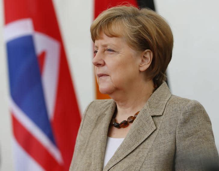 Merkel appeals to Germans to back trade pact ahead of G7 meeting