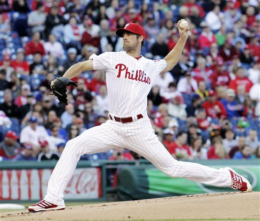Fernandez dominates Phillies, Marlins win