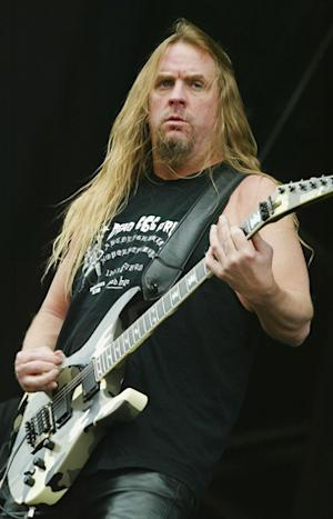Slash, Dave Mustaine and More React to Jeff Hanneman's Death
