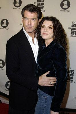 Pierce Brosnan and Julianna Margulies of Evelyn VH-1 Big in 2002 Awards - 12/4/2002