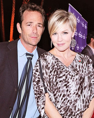 "Jennie Garth: Dating Luke Perry ""Might Be Weird"""