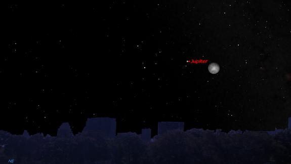 Jupiter and Moon Meet Up in Night Sky Tonight