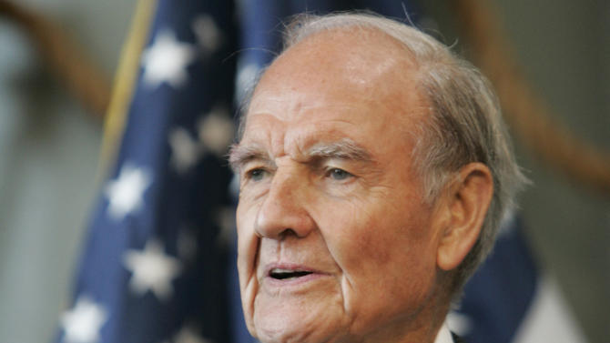 FILE - In this April 18, 2009, file photo former Sen. George McGovern delivers remarks at the National World War II Museum in New Orleans.  Ann McGovern, the former senator's daughter,  said Wednesday, Oct. 17, 2012, it's a blessing that she and other family members are able to surround her father as he declines in hospice care in South Dakota. (AP Photo/Bill Haber, File)
