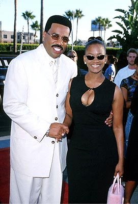 Premiere: Steve Harvey and his gal at the Hollywood premiere of Paramount's The Original Kings of Comedy - 8/10/2000