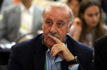Del Bosque: We haven't found a striker we like