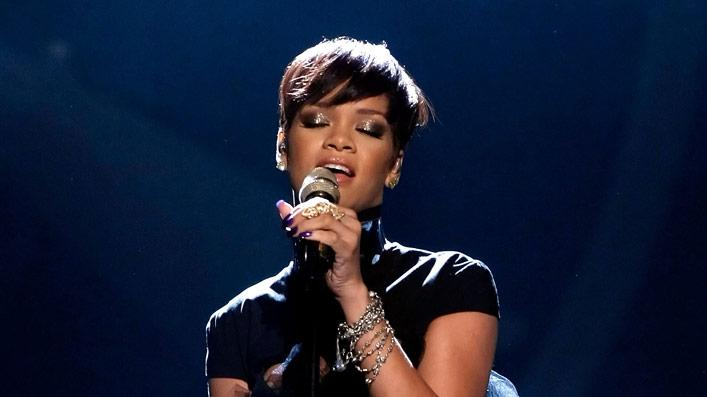 Singer Rihanna performs onstage during the 2008 BET Awards.