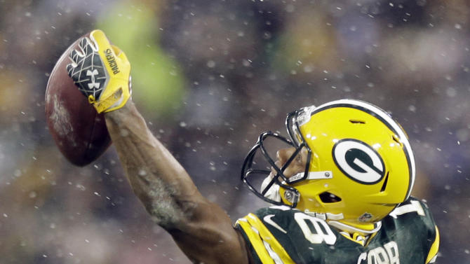 Green Bay Packers' Randall Cobb makes a one-handed catch during the second half of an NFL football game against the Detroit Lions Sunday, Dec. 9, 2012, in Green Bay, Wis. (AP Photo/Morry Gash)